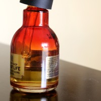 The Body Shop Oils of Life Intensely Revitalizing Facial Oil Product Review